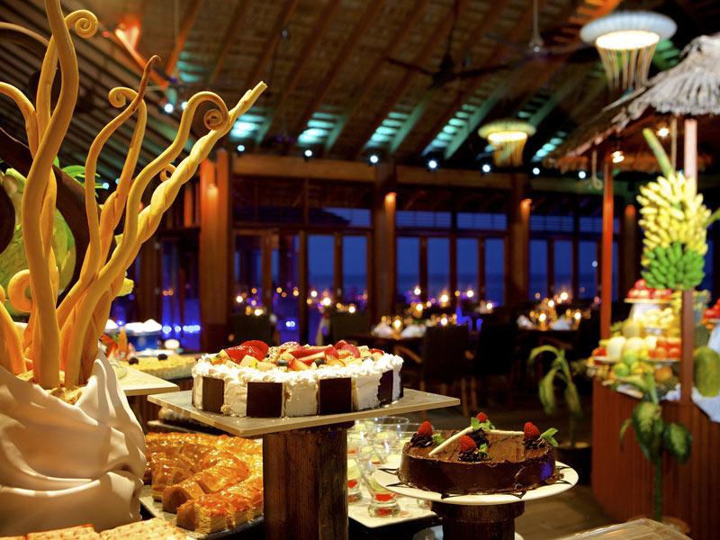 kuredu-bonthi-restaurant-buffet-crownmaldives