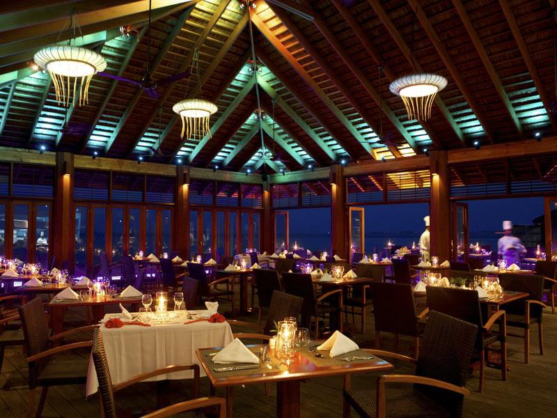 kuredu-o-restaurant-interior-view-crownmaldives